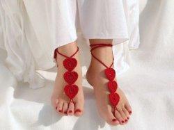 Вязаные украшения для ног