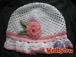 Вязаная крючком летняя шапочка для девочки