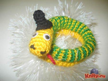 Вязаная змея Гоша