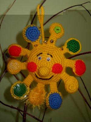 Вязаное крючком солнышко