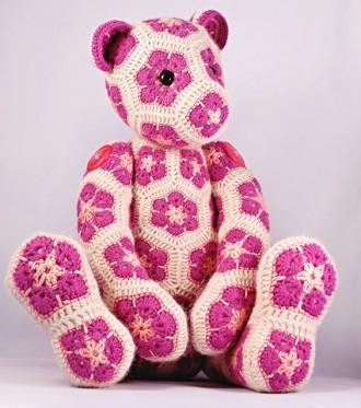 медведь из цветочных мотивов